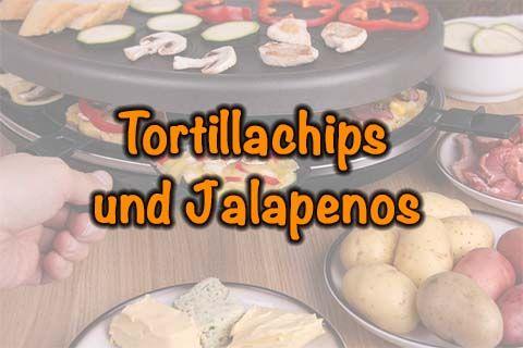 Raclette-Pfännchen mit Tortillachips und Jalapenos